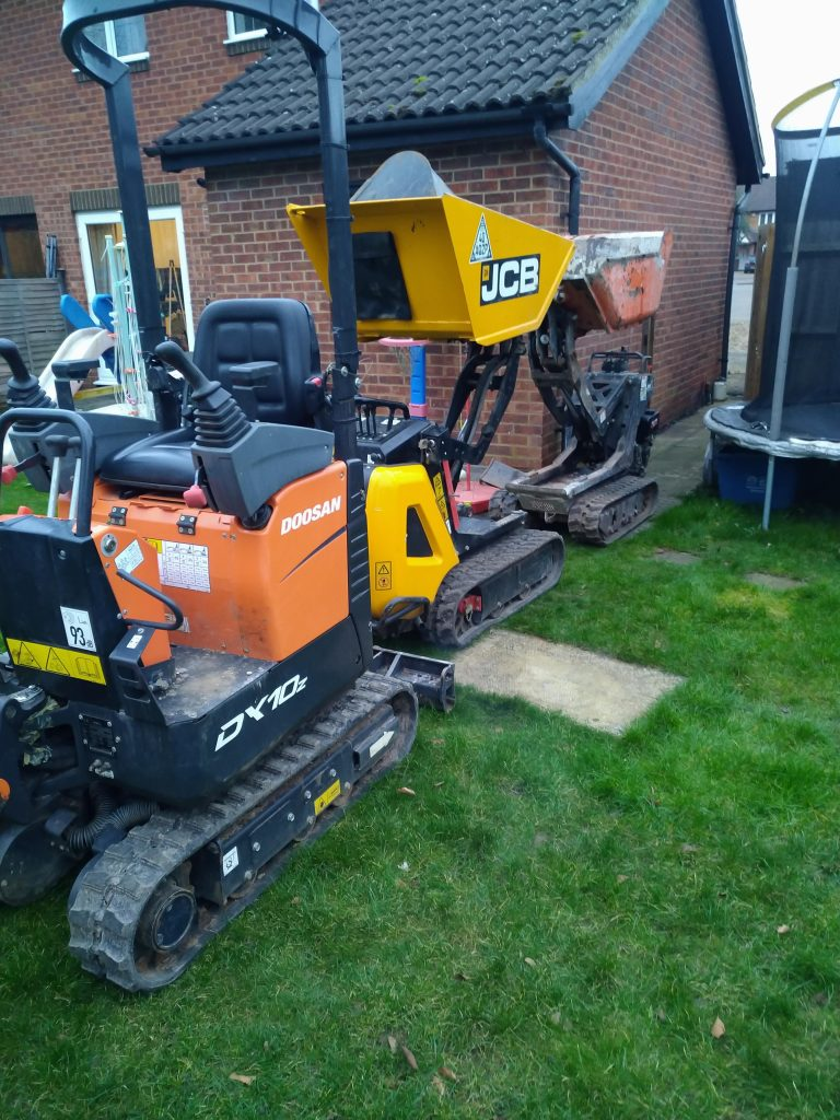 mini digger and dumper